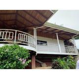Se Vende Hermosa Casa En Turrialba Centro