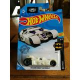 Hot Wheels Batmobile - The Dark Knight Dc