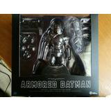 Figura Batman Armored Dah-004 Beast Kingdom
