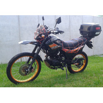 Motocicleta Um - 200cc Doble Proposito